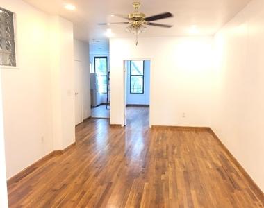 978 Madison Street - Photo Thumbnail 5