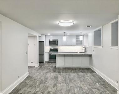 544 West Wellington Avenue - Photo Thumbnail 3