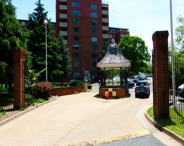 1121 Arlington Boulevard - Photo Thumbnail 3