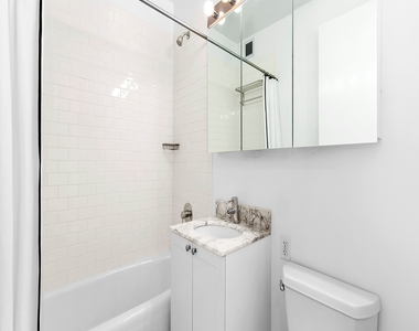 505 West 37th Street - Photo Thumbnail 3