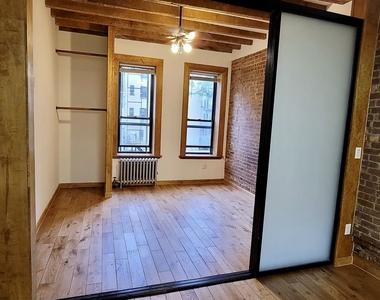 2252 1st Avenue - Photo Thumbnail 4