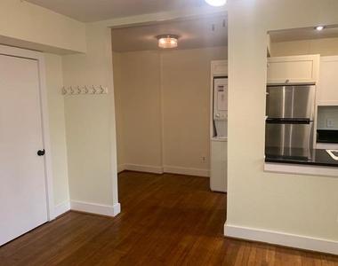 3927 Cole Avenue - Photo Thumbnail 4