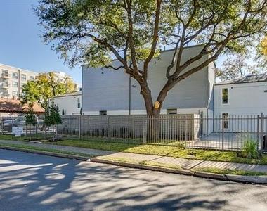 2902 Douglas Avenue - Photo Thumbnail 20
