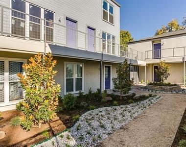 2902 Douglas Avenue - Photo Thumbnail 14