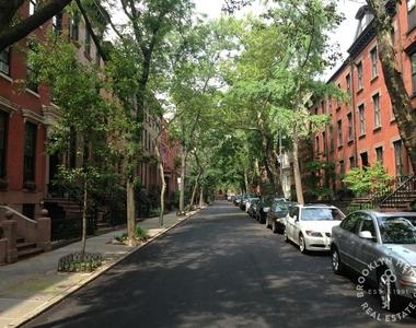 49 Garden Place - Photo Thumbnail 7