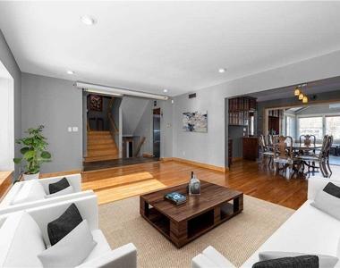 908 Eileen Terrace - Photo Thumbnail 3