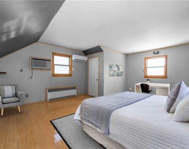 908 Eileen Terrace - Photo Thumbnail 16