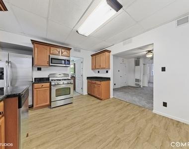 1361 West Grand Avenue - Photo Thumbnail 4