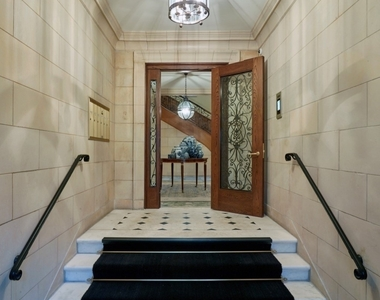 1500 North Astor Street - Photo Thumbnail 1