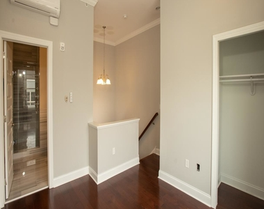901 N Front Street - Photo Thumbnail 12