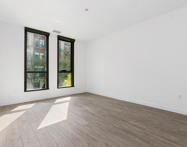 855 West Madison Street - Photo Thumbnail 9