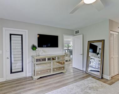 206 Brackenwood Terrace - Photo Thumbnail 27