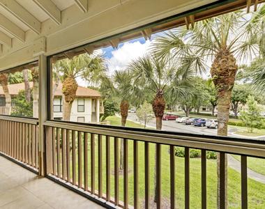 206 Brackenwood Terrace - Photo Thumbnail 34
