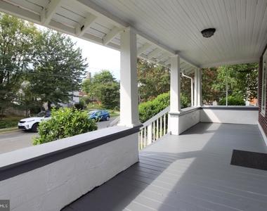 723 S Barton Street - Photo Thumbnail 2