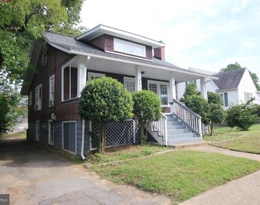 723 S Barton Street - Photo Thumbnail 1