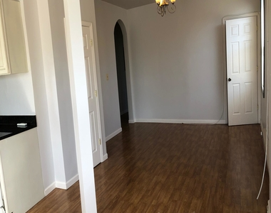 600 Keefer Place Nw - Photo Thumbnail 5