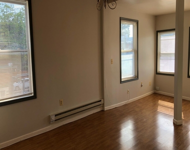 600 Keefer Place Nw - Photo Thumbnail 2