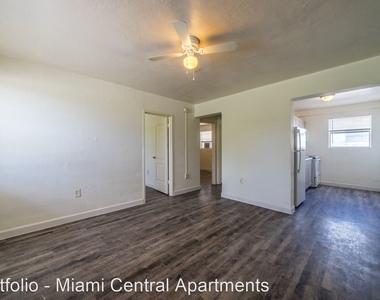 400 Nw 7th Street - Photo Thumbnail 1