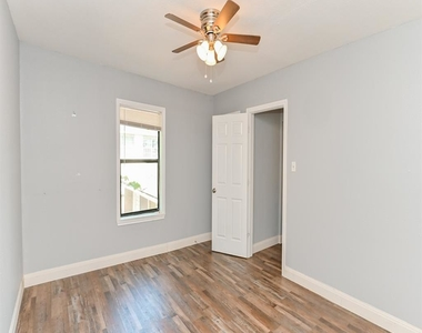 4206 Walker Street - Photo Thumbnail 10