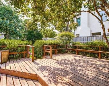 5642 Stanford Avenue - Photo Thumbnail 9