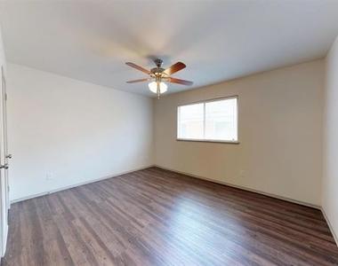 4708 Abbott Avenue - Photo Thumbnail 6