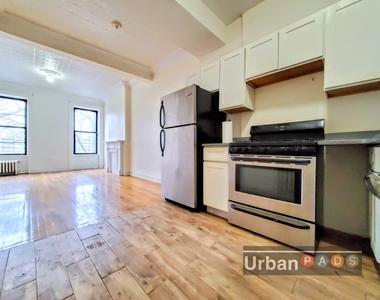 79 Underhill Avenue - Photo Thumbnail 3