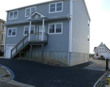 32 Sheridan Road - Photo Thumbnail 20