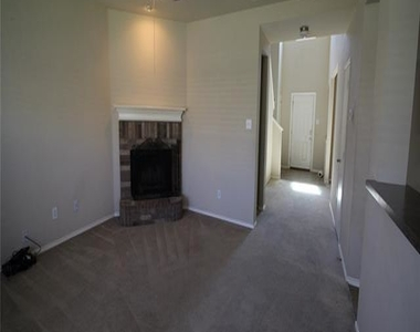 617 Twin Knoll Drive - Photo Thumbnail 2