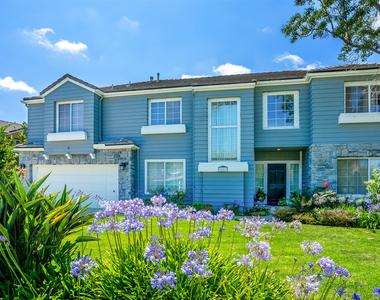 7003 Kentwood Ave - Photo Thumbnail 0