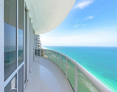 15901 Collins Ave - Photo Thumbnail 10