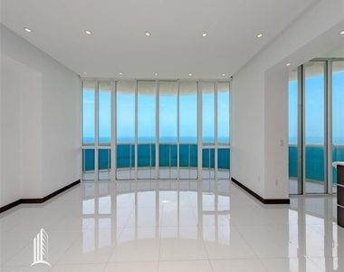 15901 Collins Ave - Photo Thumbnail 2