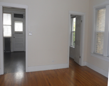 4608 North Leavitt Street - Photo Thumbnail 5