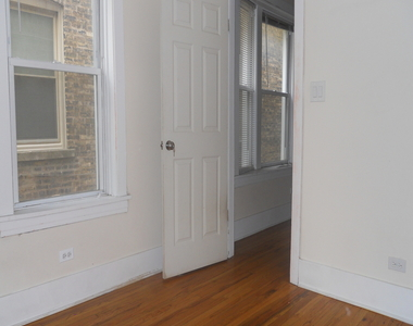 4608 North Leavitt Street - Photo Thumbnail 11