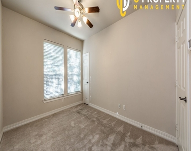 3707 Wycliff Ave - Photo Thumbnail 14