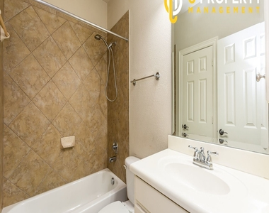 3707 Wycliff Ave - Photo Thumbnail 15