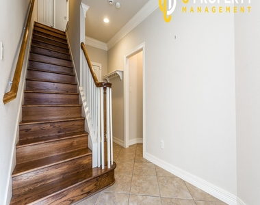 3707 Wycliff Ave - Photo Thumbnail 19
