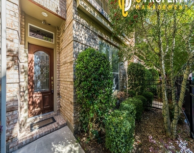 3707 Wycliff Ave - Photo Thumbnail 1