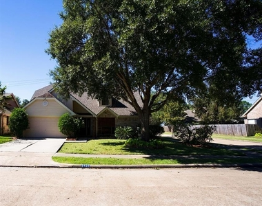 2431 Barrington Place Drive - Photo Thumbnail 4