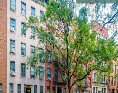 441 West 48th Street - Photo Thumbnail 15