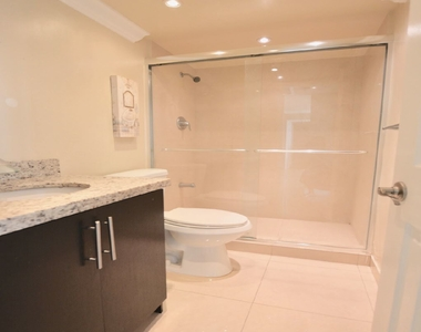 5555 Collins Ave - Photo Thumbnail 10