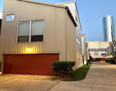 823 Robin Street - Photo Thumbnail 0
