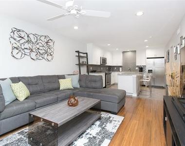 5326 Fleetwood Oaks Avenue - Photo Thumbnail 3