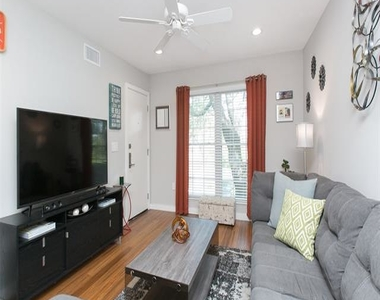 5326 Fleetwood Oaks Avenue - Photo Thumbnail 5