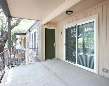5326 Fleetwood Oaks Avenue - Photo Thumbnail 15