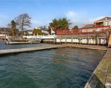 57 Harbor View W - Photo Thumbnail 32