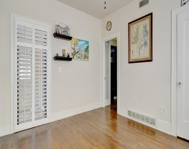 3237 Odessa Avenue - Photo Thumbnail 21