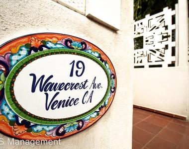 19 Wavecrest Ave - Photo Thumbnail 6