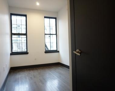 214 Knickerbocker Avenue - Photo Thumbnail 2