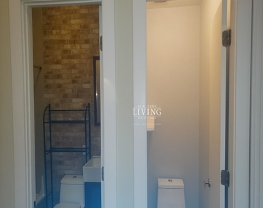 No brokers fee + Free Rent*Sunset Views, Very high Ceilings, Oversized windows, Laundry in the building, Roof deck, True 3 bedroom And 1.5 bath - Photo Thumbnail 4