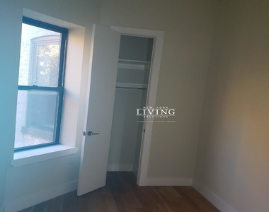 No brokers fee + Free Rent*Sunset Views, Very high Ceilings, Oversized windows, Laundry in the building, Roof deck, True 3 bedroom And 1.5 bath - Photo Thumbnail 6